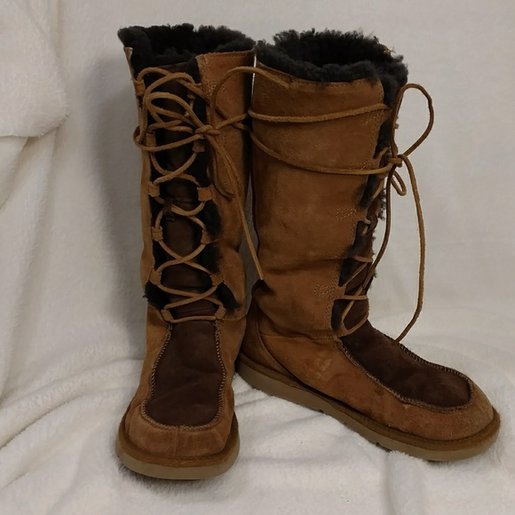 eae7b393b3c UGG Tan & Brown Lace Up Boot Fur Lined sz 9 Boho
